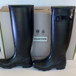 NWT Hunter Boots Sz5, black, fit like a 6